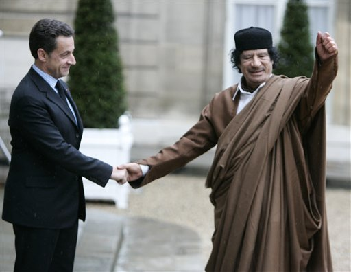 Faux mails : Attention, des pirates utilisent les photos de Khadafi mort !