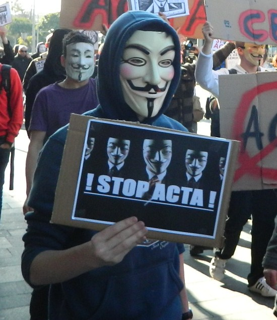 Nice : Manifestation Anti #ACTA du 10 Mars #anonymous #stop ACTA