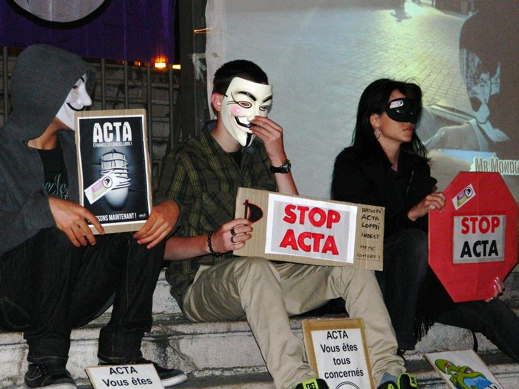 Soirée Projection contre ACTA à Nice 28 avril 2012 #PartiPirate #Anonymous