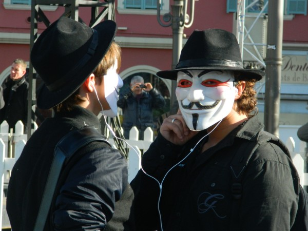 #Anonymous #Freeanons –  Aidons les « freedom fighters » à se défendre en justice!